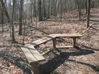 blue bench trails bledsoe creek state park loop trail
