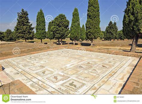 mosaico casa mosaico da casa dos p 225 ssaros cidade romana de italica a