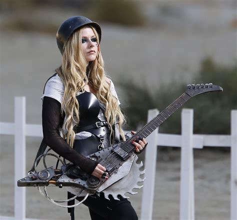 Harga Gitar Yamaha Buat Pemula gitar akustik musik