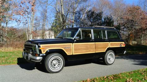 1989 Jeep Grand Wagoneer 51 000 Black Interior