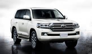 Toyota Landcruser Facelifted 2016 Toyota Land Cruiser Announced Youwheel