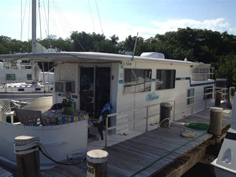 houseboat rentals key largo keys houseboat rentals boat charters key largo fl