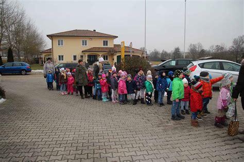 werkstatt kindergarten der kindergarten zu besuch in der werkstatt auto hirsch