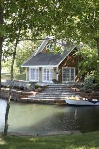 sweet lakeside cottage heavenly homes