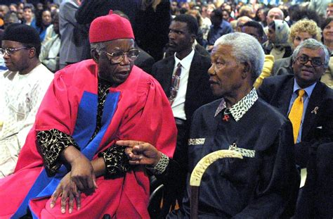 Critical Essays On Chinua Achebe by Chinua Achebe Writer Dies At 82 The New York