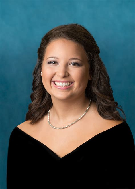 yearbook drape senior portrait session blog katie cartwright photography
