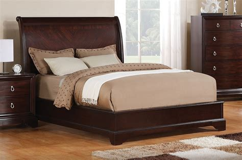what s the size of a queen bed queen size bed leon s