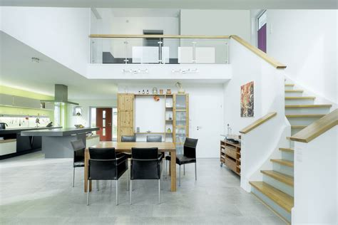 fertighaus mit offener galerie luxushaus ravensberg ein fertighaus gussek haus