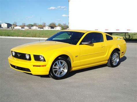 2005 ford mustang yellow 2005 ford mustang gt screaming yellow