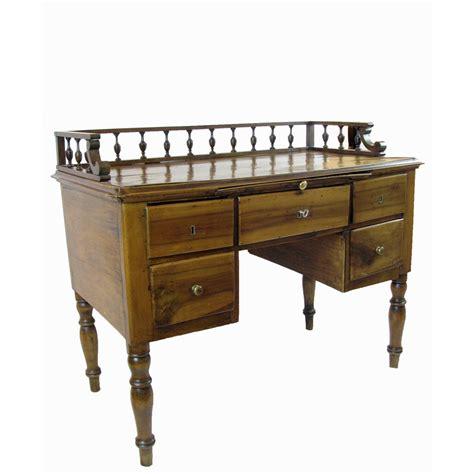 scrivania antica scrivania antica in noce di provenienza veneta in buono stato