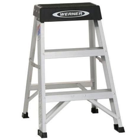 400 Lb Capacity Ladder by Werner 2 Ft Aluminum Step Ladder With 300 Lb Load