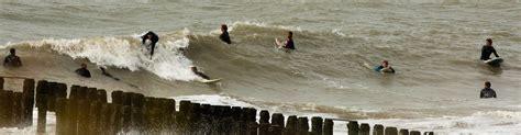 surfen zeeland de beste surflessen op de beste golfsurfspot van zeeland