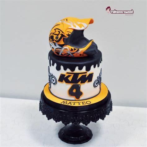 motocross helmet cake bike motocross cake cake by naike lanza cakesdecor