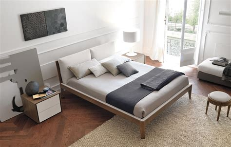 imbottire testata letto letto con finitura legno o laccato cose di casa
