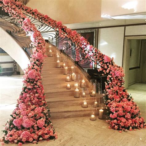 Flower Decorations For Wedding by Magical Floral Wedding Staircase D 233 Cor Ideas