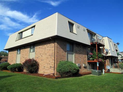 Apartments In Joliet Il 518 E Bellarmine Dr Joliet Il 60436 Rentals Joliet Il