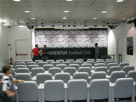 panchina juventus stadium la sala sta foto di stadio juventus torino tripadvisor