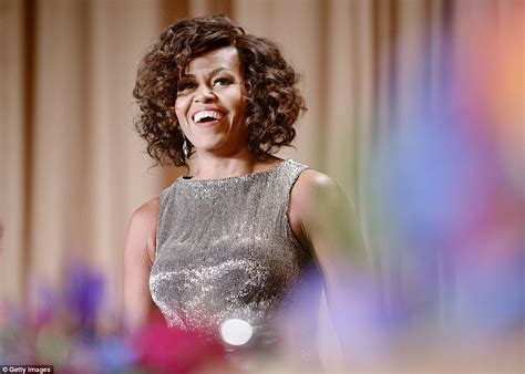 Mrs Hair obama unveils curly hair at white house correspondents dinner daily mail