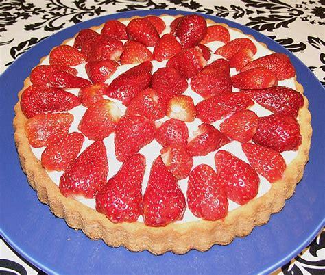 erdbeer rhabarber kuchen mit pudding erdbeer pudding kuchen herta rezept mit bild