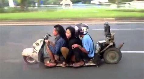 modifikasi motor vespa indonesia keunikan vespa indonesia entakkan dunia yang ceper hingga