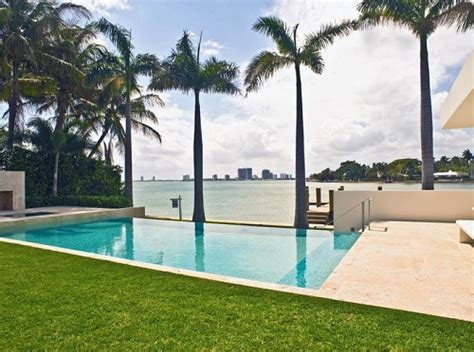 chris bosh house chris bosh owns the most expensive home in the nba gallery inside heat nation