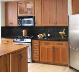 Ideas For Kitchen Countertops And Backsplashes by Backsplash Ideas For Black Granite Countertops And Maple