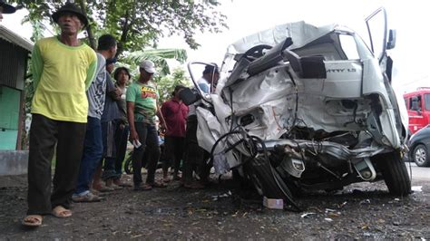 Kronologis Kecelakaan by Foto Mobil Pariwisata Rommy Car