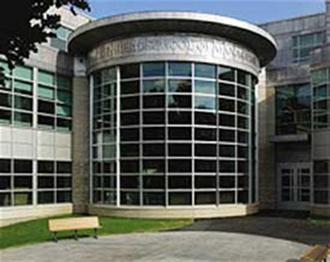 Umass Amherst Isenberg Mba Contact by How To Contact The Center