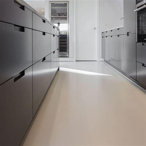 come realizzare un pavimento in resina pavimento in resina fai da te pavimentazioni pavimento
