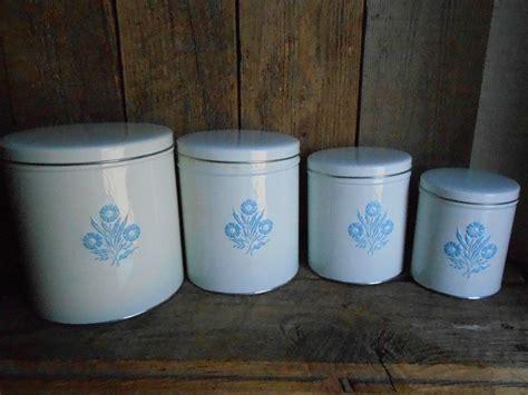 vintage canisters united states us vintage canister sets 49 best corning ware images on pinterest corn flower