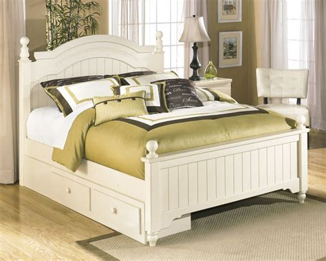 cottage bedroom set b213 70 signature by ashley cottage retreat under bed