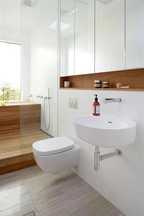 simple white bathrooms petite salle de bain 9 fa 231 ons de maximiser l espace d une