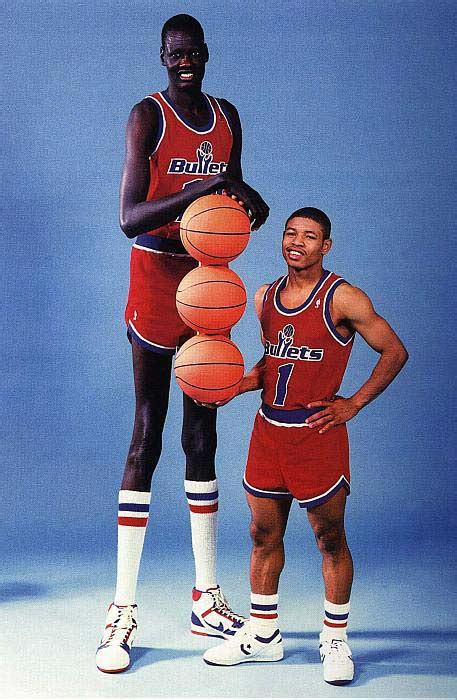 Ta Est Mba Players All Time by New Deliverable For Ted Leonsis Manute Muggsy Statue