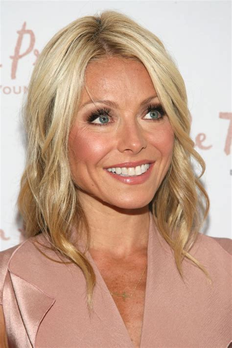 ripa haircut 2015 25 best kelly ripa hair trending ideas on pinterest