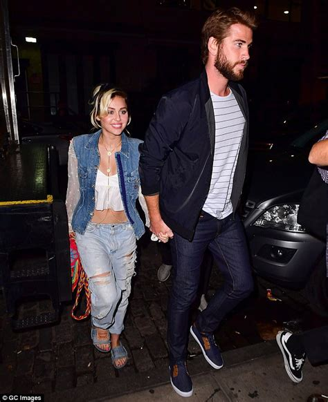 Miley Top miley cyrus performs in crop top with shorts daily mail