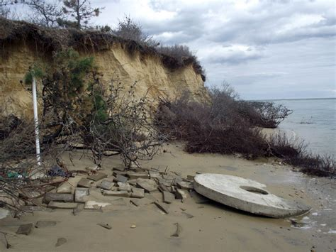 Chappaquiddick New Evidence As Severe Erosion Takes Its Toll Summer Closure Planned For Wasque Point The Vineyard Gazette