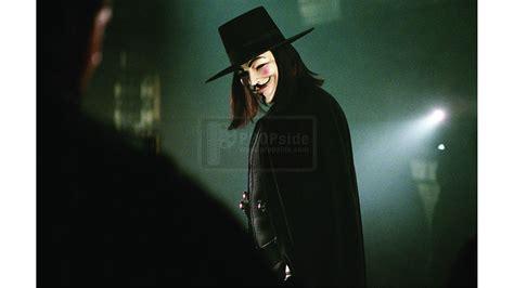 Wig V For Vendetta Bahan Sintetis v mask wig and hat display v for vendetta 2006 at propside