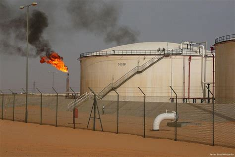 middle eastern oil l group loyal to tripoli government shuts down largest