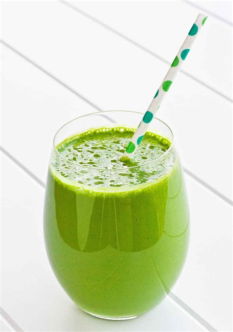 green drink and easy green smoothie recipe simplyrecipes com
