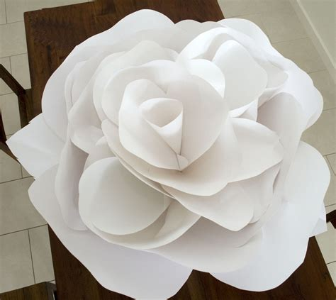 How To Make A Big Paper - grace designs paper flowers
