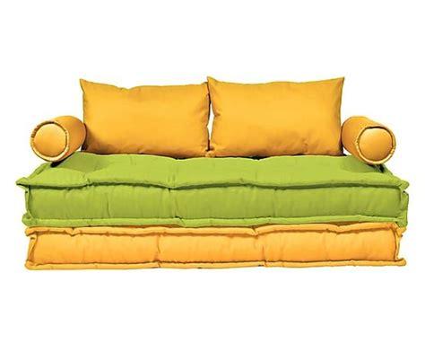 divano verde acido oltre 25 fantastiche idee su divano verde su