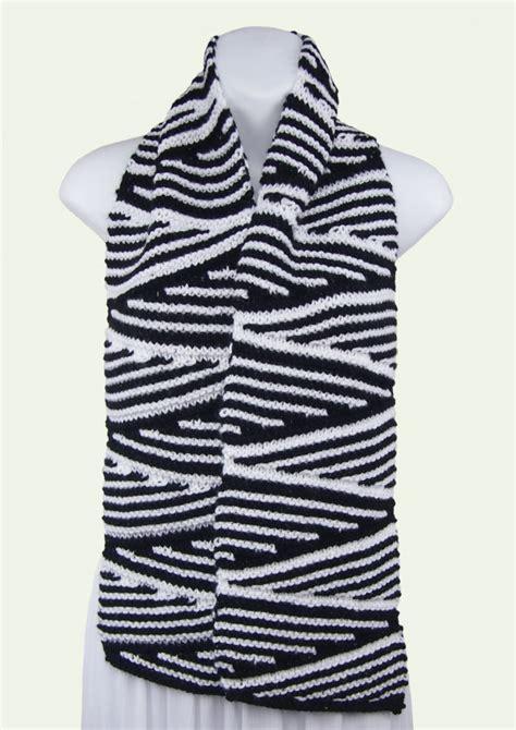Wedges Zigzag sarongsetc knit wedges zig zag two color soft