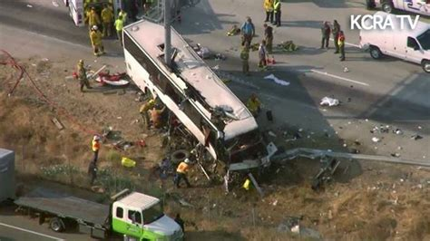 Seprei California 122 california charter crash kills 5 injures 18