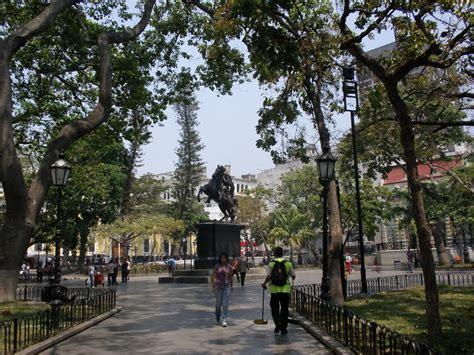 imagenes de plaza venezuela caracas plaza bol 237 var de caracas ciberturista