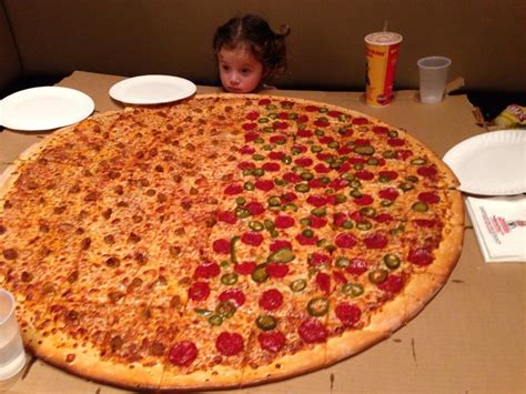 big pizza degeneres orders pizza to the oscars here s everything you need to about that