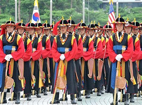 Dunia Unik Gantungan Kunci Negara Korea unik inilah pakaian militer dari berbagai negara di dunia dailywuz