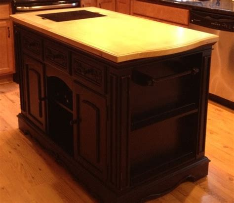 powell kitchen islands amazon com powell pennfield kitchen island furniture decor