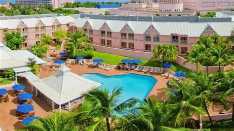 comfort inn and suites nassau comfort suites paradise island nassau compare deals