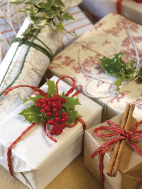 40 holiday gift wrap ideas easy crafts and homemade