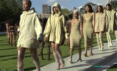 Kaos Yeezus A kanye s yeezy season 4 in chaos as guests were left